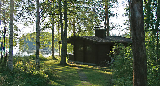 Holiday homes are almost always located by a lake or the sea or on an island. Even people who don't have their own second home can rent such cottages for a week or longer.