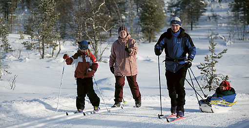The best way to enjoy the winter landscape is on cross-country skis. There are free, well-maintained ski trails throughout the country.