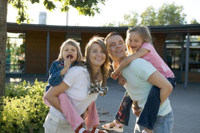 055helsinkifamily4145-comma_image_helsingin_kaupunki