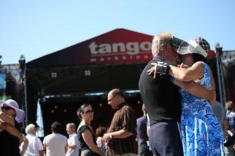 每年七月在塞伊奈约基举行的探戈节上,各种音乐会和舞蹈比赛营造出独特的氛围。