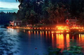 Dating back more than 100 years, the Venetian Night celebration in Kokkola features the sea and kilometres of torches, bonfires and fireworksalong the coastline.