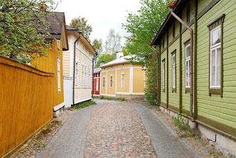 Rauma Antiga, o centro de casas de madeira da cidade de Rauma, Finlândia, está inscrita como Patrimônio Mundial da Humanidade pela UNESCO.