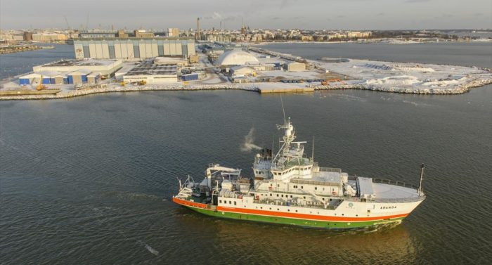 """The Finnish marine research vessel """"Aranda"""" collects data on the Gulf of Finland, including oxygen levels, salinity, sediments and concentrations of pollutants."""