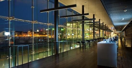 Die Musikhalle Helsinki ist ein kulturelles Zentrum für jedermann, ein Treffpunkt mitten in der Innenstadt.