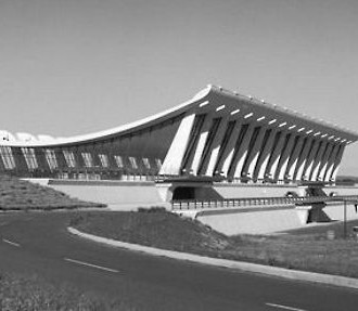 Eero Saarinen, Dulles International Airport, Chantilly, Virginia. Photo: Balthazar Korab Ltd.