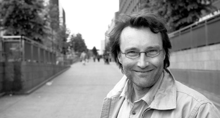 """赫尔辛基艺术节总监艾瑞克提及, """"很显然,东方和西方彼此需要,相辅相成。"""""""