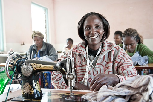 Mifuko ensures that the people in its workshops receive a regular income and good working conditions.