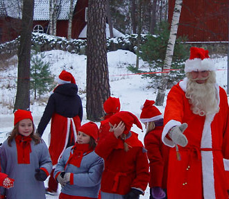 After crossing the decorated wooden bridge to the island of Seurasaari, visitors are welcomed by cheerful volunteer elves, and may even catch a glimpse of Santa Claus.