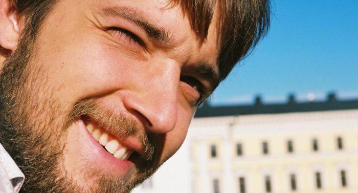 菲利普·郎霍夫(Filip Langhoff)是米其林星级餐厅Ask(询问)——一家位于赫尔辛基古鲁努哈卡(Kruununhaka)的餐厅合伙人及主厨。