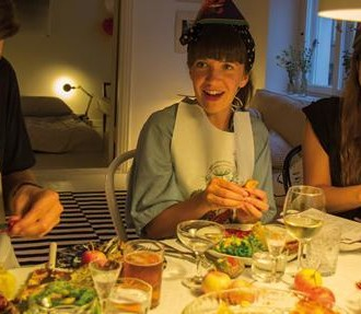 Krebsfeste, Feiern, Trinken, Singen, Schnaps, Bier, Schalentiere, Helsinki, Espoo, Finnland