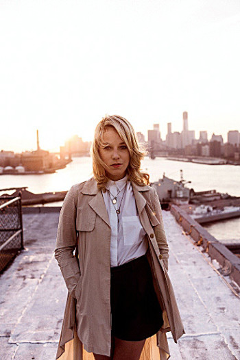 Lotta Nieminen a élu domicile à New York, à Brooklyn exactement.