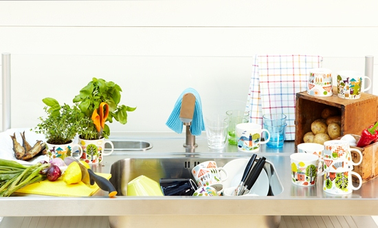 Can you spot the Fiskars scissors and knife, the Iittala glasses and the Arabia cups and bowls on this kitchen counter?