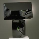 黑兄弟,玻璃雕塑,墨绿色玻璃,1992年。