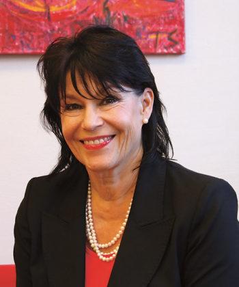 Portrait of principal Riitta Erkinjuntti.