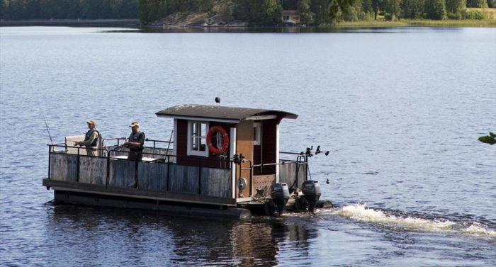La pesca y la navegación son muy populares en el lago Päijänne y en muchos otros lagos finlandeses.