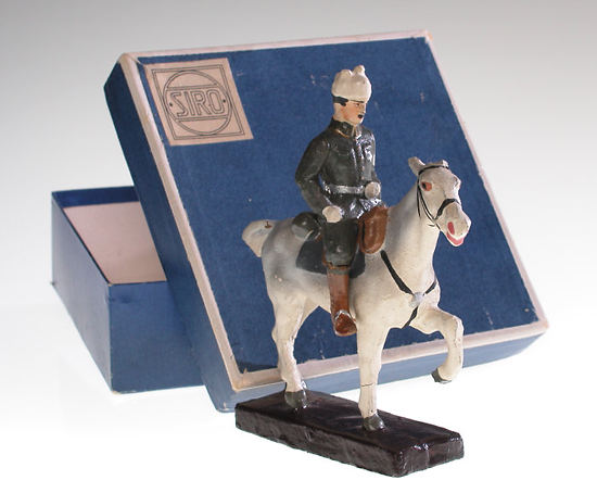 Mannerheim on horseback, papier-mâché doll made by the Siro company, 1920, height 12.5 cm, Helsinki City Museum.