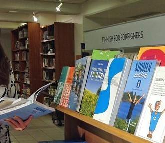 Aprender Finlandês como segunda língua, livros, não-finlandeses, imigrantes, Suomea suomeksi, Suomen mestari, Finnish for Foreigners, Eila ja Ossi, gramática, Finlândia