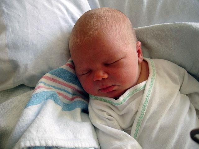 В Финляндии новорожденному ребенку можно дать не меньше одного и не больше трех имен.