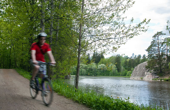 Bike trails run along the Vantaa River from the rapids at Pitkäkoski in the north downstream to Vanhakaupunki, making a superb half-day outing. Photo: Tim Bird