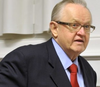 A man in motion: Nobel laureate Martti Ahtisaari specialises in negotiating peace.