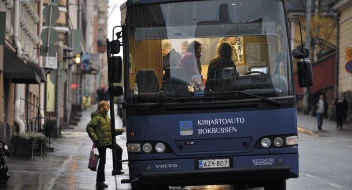 Jeder Finne leiht sich jährlich mehr als ein Dutzend Bücher aus. Im Bild ist eine weitere mobile Bibliothek zu sehen.