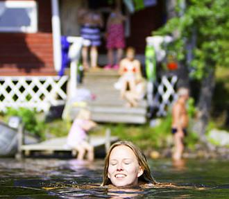Finnische Sauna, Sommerhäuschen, Erholung, Urlaub, Ferien, Finnische Saunagesellschaft, Mobiles Saunafestival, Birke, Ofen, Eisschwimmen, avanto-uinti, Finnland