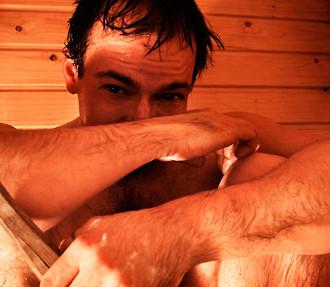 Sudar estoicamente dentro de la sauna, ha sido y es parte esencial de la cultura finlandesa desde épocas milenarias.