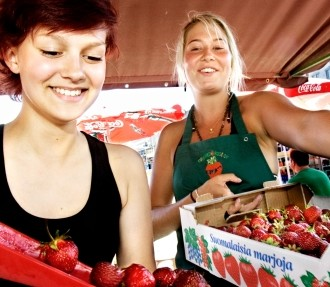 The Finnish capital ranks among the top five cities in the world: Why not celebrate the good news with some strawberries on Helsinki's Market Square?