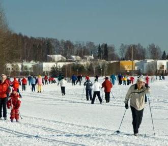 Prática de esqui de fundo, iniciantes, passatempo, humor, conselhos, estrangeiros, estrangeiros na Finlândia, Helsinque