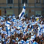 A sea of Finnish flags spread over Market Square.