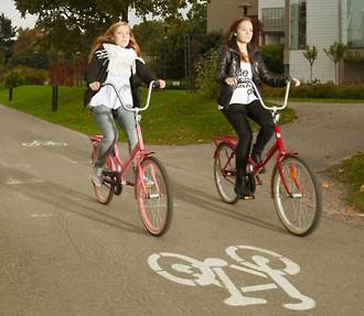 在芬兰赫尔辛基骑单车