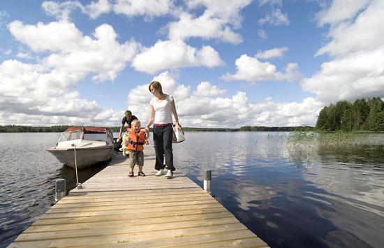 4575-haapasalo4_550px_boating_kuopio_finland-jpg