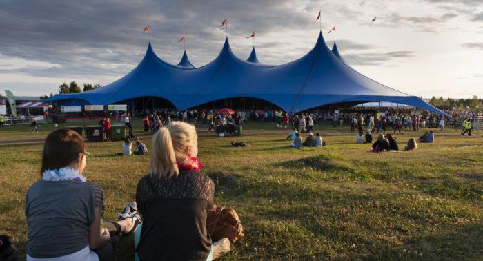 Фестиваль Ilosaarirock в г. Йоэнсуу славится доброй атмосферой.