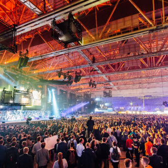 一年一度的Slush创业大会场面火爆,简直像是一个高科技摇滚大派对。摄影:Slush media
