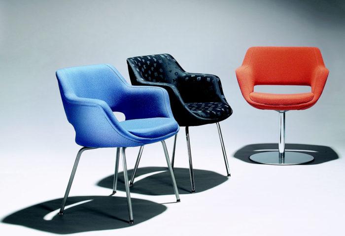 Многие посетители выставки наверняка узнают предметы мебели, которыми пользовались, не подозревая об их финском дизайнерском происхождении, к примеру, кресло Kilta.