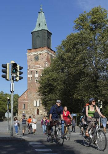 Финляндия – прекрасная страна для велотуризма. Здесь есть, например, официальные маршруты между городами и доступны карты велотрасс.
