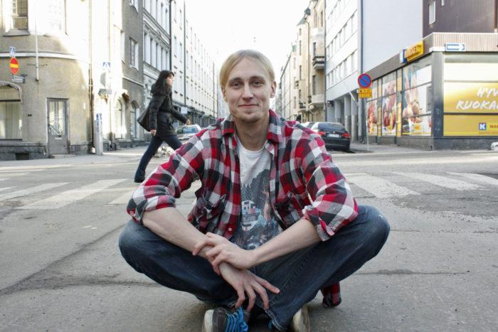 «В Финляндии сауна является естественным способом знакомства с людьми, так как при входе в сауну оставляется все лишнее. Здесь поход в сауну — традиционная составляющая корпоративной или студенческой вечеринки», — размышляет Яакко Блумберг.