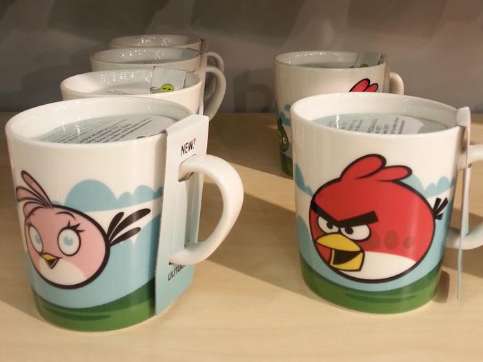 Продукцию компании Rovio не называют вкладом в мировую культуру, но злые птички разлетелись из Финляндии по всему миру. С ними можно найти рюкзаки, футболки, кружки и конфеты с изображением персонажей популярной компьютерной игры.