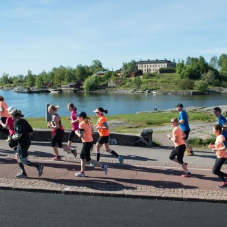 Trump card is the exceptionally beautiful route by the sea that leads the runners through the most beautiful sceneries of Helsinki.