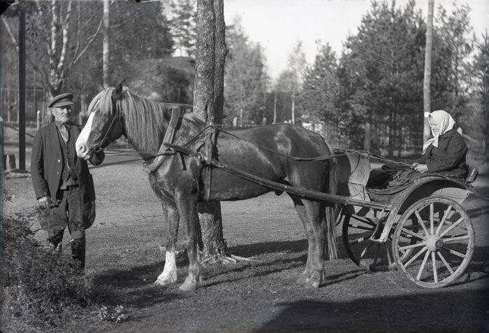За семь столетий Королевская дорога из узкой и извилистой грунтовки превратилась в широкую и прямую супер-трассу. По дороге катались на лошадях аж до 1950-х гг.