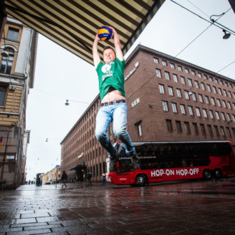 Juha Meronen a participé de nombreuses fois à la compétition des minorités sexuelles Eurogames. Cette année, il jouera un rôle non seulement sur le terrain de volley-ball, mais aussi en tant que co-président de la compétition nationale.