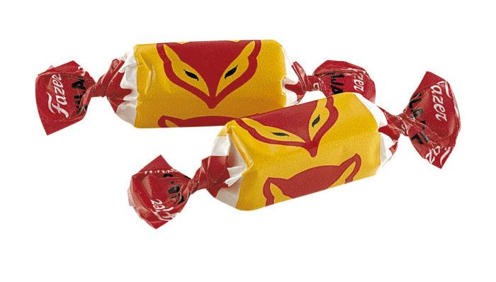 Рецепт мармелада Pihlaja (по-русски «рябина»), который в Финляндии называют «лисьей конфетой» Карл Фазер привез из России в конце позапрошлого века, и это самый старый фазеровский товар из тех, что до сих пор в продаже.