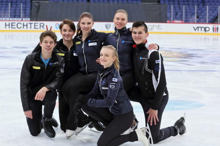 الفريق الفنلندي (من اليسار إلى اليمين): فالتر فيرتانن وجوسيفيل بارتانن وسيسيليا تورن وإميليا سيمونن وإمي بلتونن وماثيو بيناس.