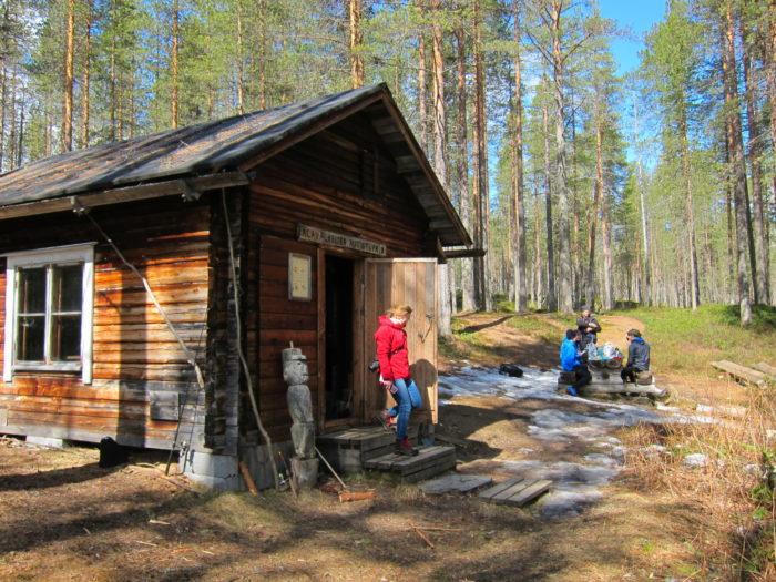 تم تطوير مرافق مجانية تضم أماكن لإشعال النار والمخيمات والأكواخ البرية كجزء من تحويل هوسا من منطقة للتنزه إلى أحدث حديقة وطنية في فنلندا.