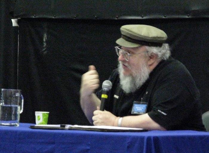 لعبة العروش المؤلف جورج ر.ر. مارتن معجب برحلته إلى فنلندا، كما شجع استضافة مؤتمر ورلدكون في مدينة هلسنكي.