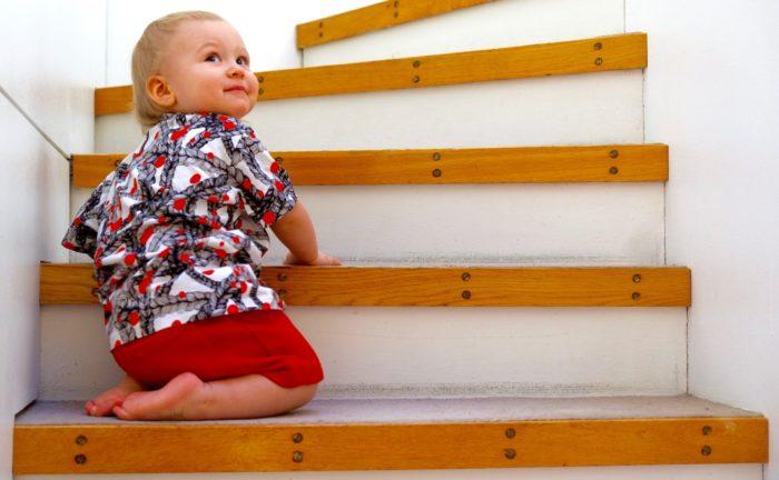 تُعد Vimma واحدة من أشهر ماركات ملابس الأطفال الفنلنديين، وفقًا لـ Marika Westerlund من متجر Harakanpesä. يعرض قميص الطفل هذا نسخة واحدة من تصميم الجدائل من Vimma، الذي أصبح كلاسيكيًّا عصريًّا.