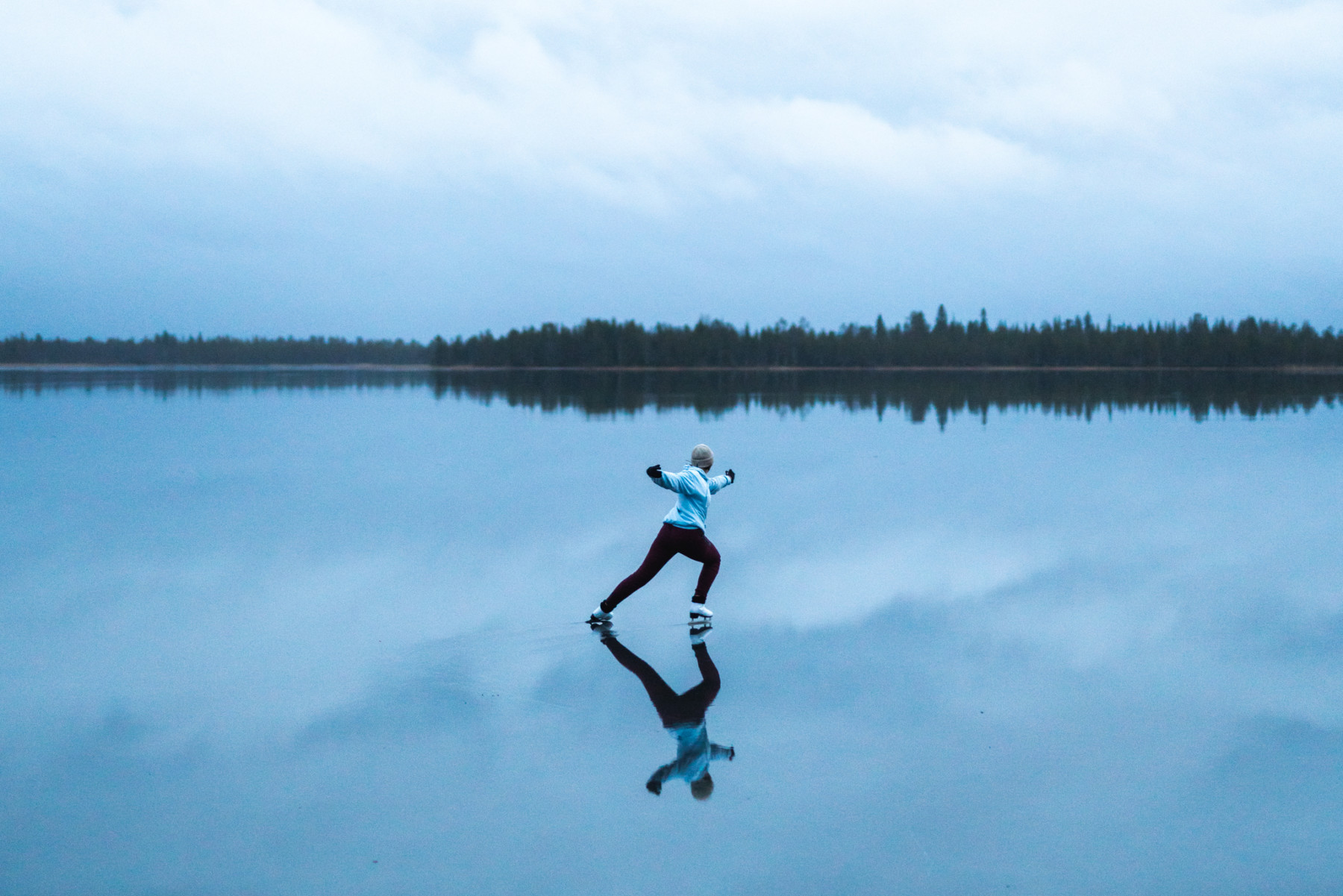 Magical ice-skating video from northern Finland wows viewers...